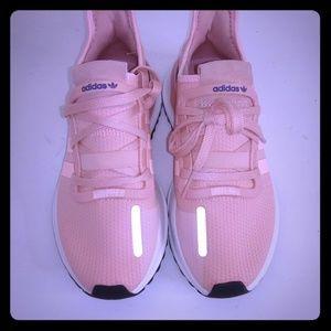 *BRAND NEW* Women Adidas U Path Run size 6